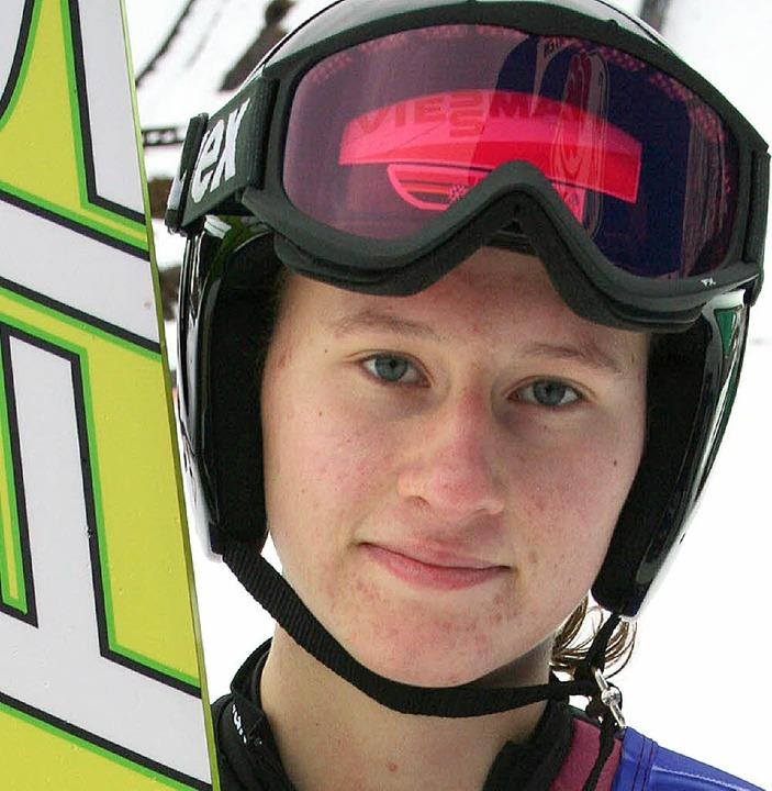 Stolze Vizeweltmeisterin: Skispringerin Ramona Straub  | Foto: maurer