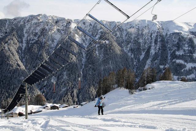 Weltweit erster Solarskilift in der Schweiz: Ein Schlepper als Chance