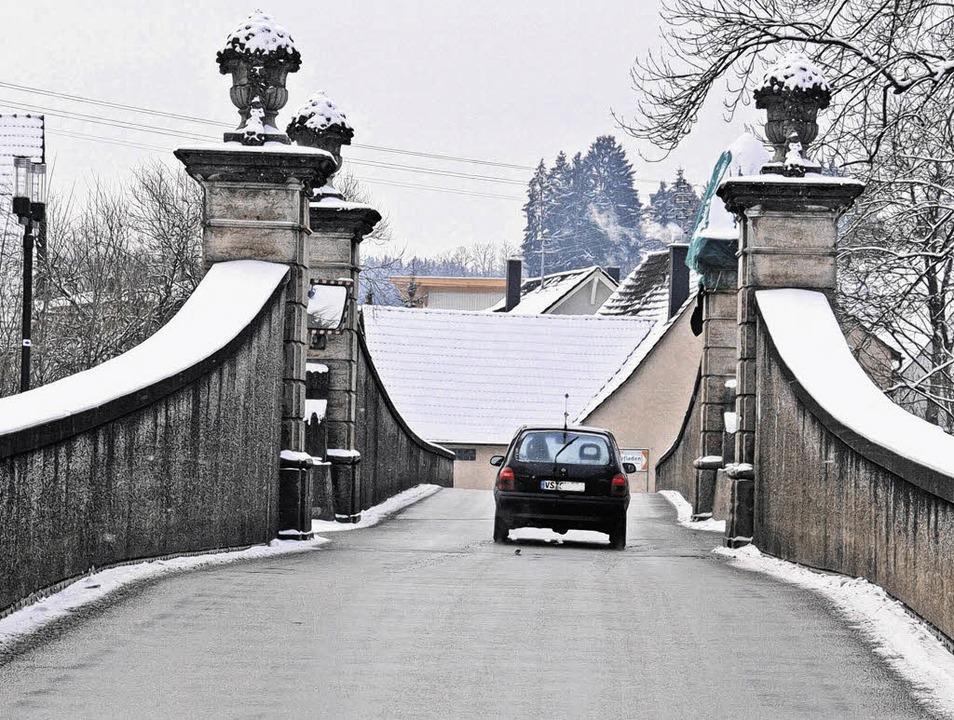 Die Wolterdinger Bregbrücke bereitet d...ine Belastung von 15 Tonnen begrenzt.   | Foto: Vollmer
