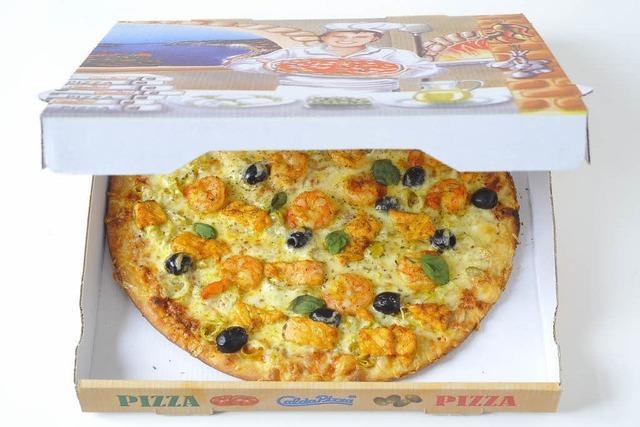 Basler Polizei stoppt Pizzakurier – Beamte liefern heiße Ware aus