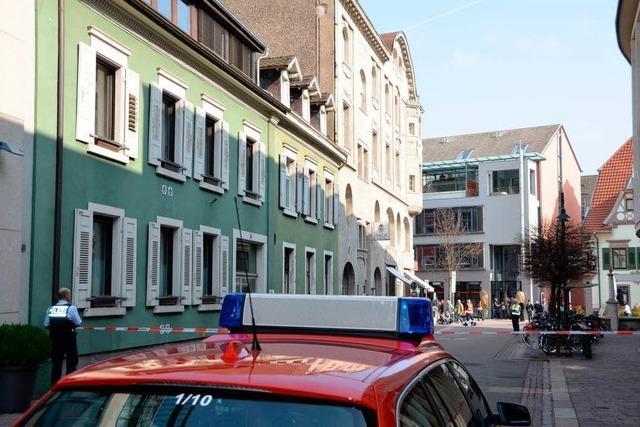 Feuerwehr räumt Café in der Innenstadt