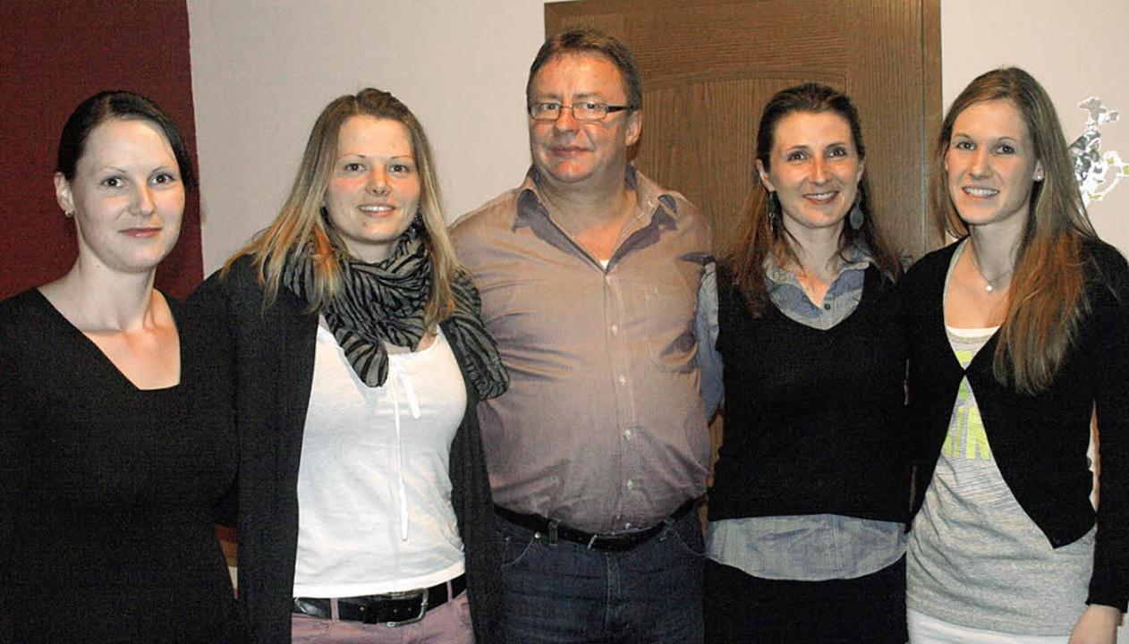 Beim Vorstand des TuS Dachsberg bleibt... die Susanne Schupp (von links) ablöst  | Foto: Karin Stöckl-Steinebrunner