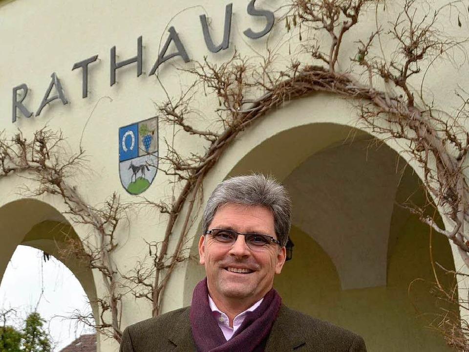 Konstanten in Schallstadt: Jörg Czybulka und das Rathaus.  | Foto: Tanja Bury