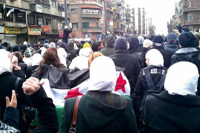 Hadil Kouki engagiert sich gegen das Assad-Regime