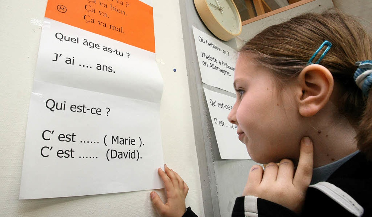 In der Grundschule wird laut Experten ...rs weitere Sprachenlernen geschaffen.   | Foto: Seeger (dpa)