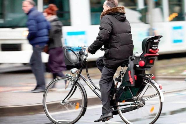 Warnwesten und Helme für Radler bleiben freiwillig