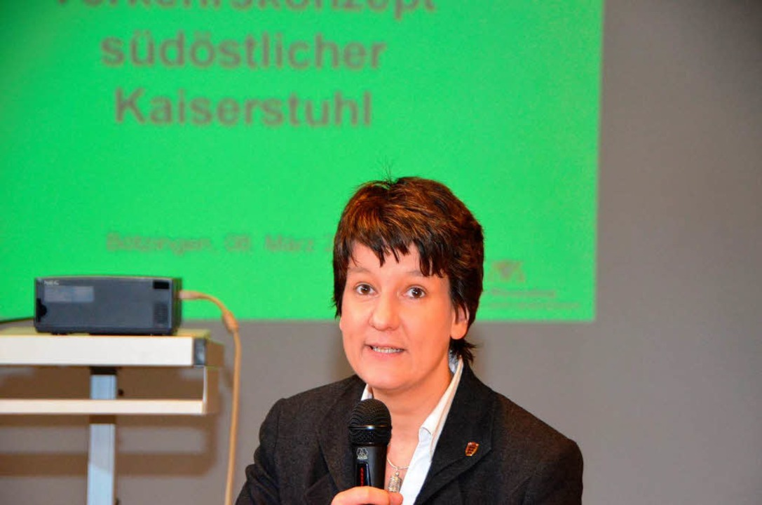 Staatssekretärin Gisela Splett verteid...tellunsgsverfahrens für die B 31 West.  | Foto: manfred frietsch