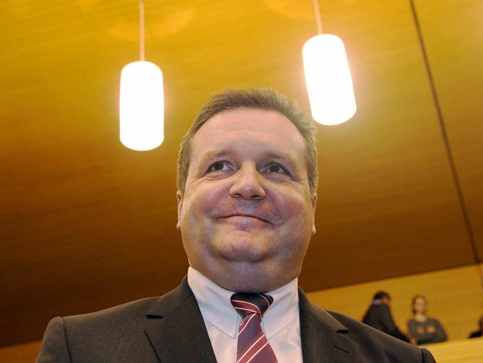 Zurück im Scheinwerferlicht der Landes... Stefan Mappus, Ministerpräsident a.D.  | Foto: dapd