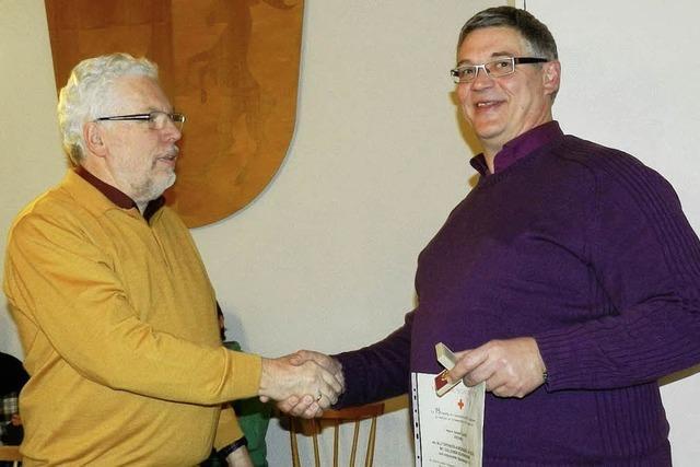 Harald Quandt für 75 Blutspenden geehrt
