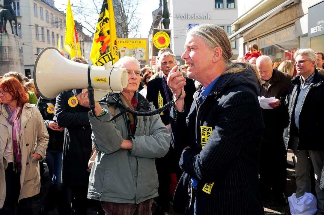 """""""Solidarität mit Frankreich und ... der grüne Fraktionsvize Gerhard Frey.    Foto: Thomas Kunz"""