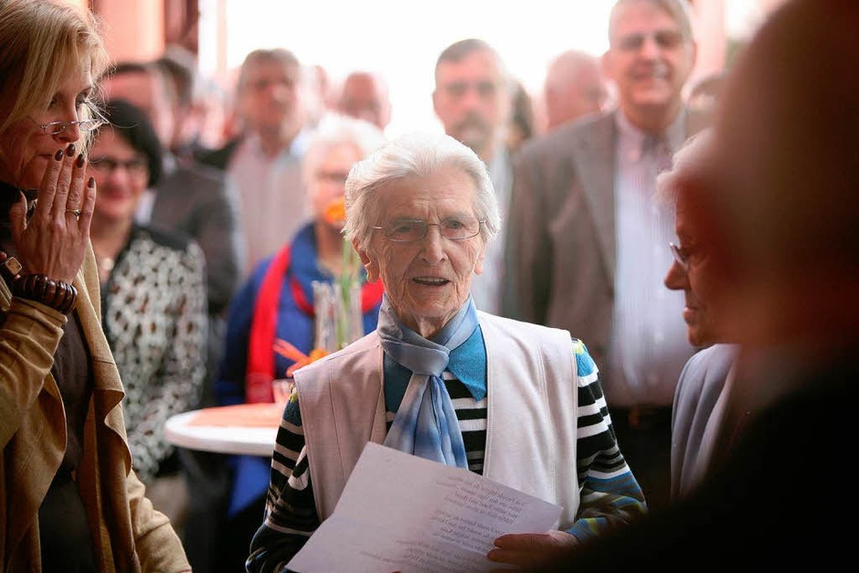 An die 200 Gäste waren zum Gemeindeempfang anlässlich des 75. Geburtstags von Altbürgermeister Eugen Götz gekommen. (Foto: Bastian Henning)