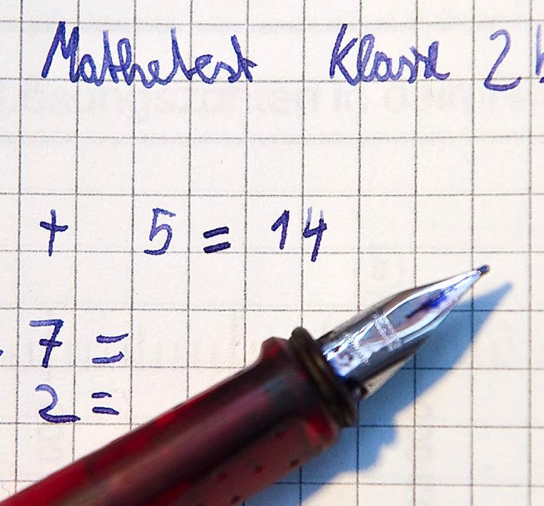 Für manchen eine unüberwindbare Hürde: Mathematik    Foto: Verwendung weltweit, usage worldwide