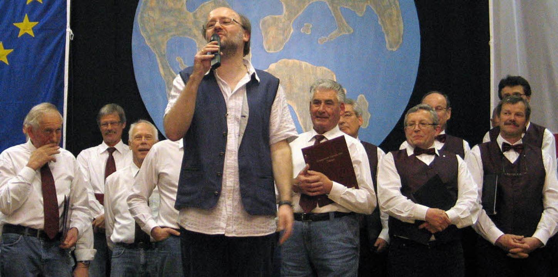 Mit schönen Liedern, guter Laune und C...(vorne) nach elf Jahren aus Ötlingen.   | Foto: OUNAS-KRÄUSEL