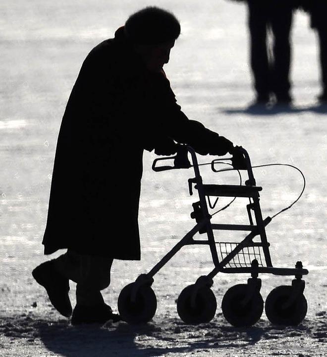 Viele Senioren strahlen Hilfslosigkeit... lernen, selbstbewusst(er) zu wirken.   | Foto: dpa/privat
