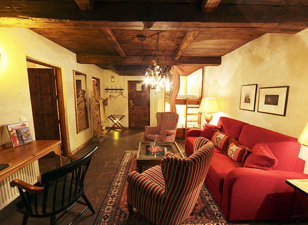 Die Royal-Suite im El Andaluz, ganz na...chen von Rudolf Neumeier eingerichtet.  | Foto: BZ