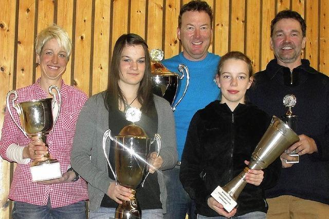 Glitzernde Pokale für die Feldbergmeister