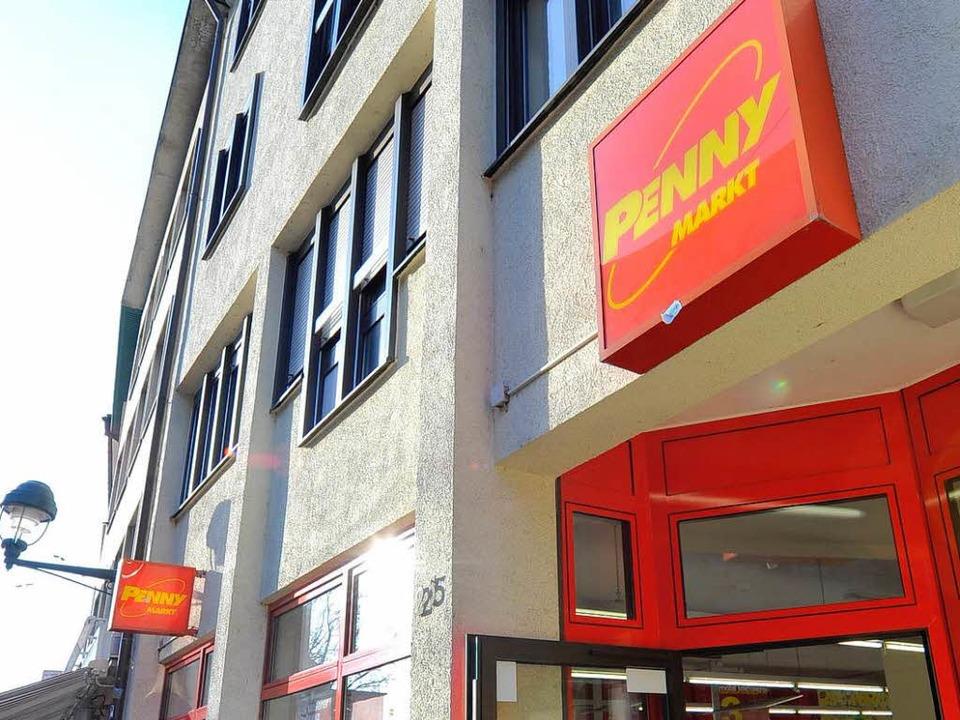 Ein ganz besonderer Supermarkt: DerPen... Bertoldstraße weicht einer Modekette.  | Foto: Michael Bamberger