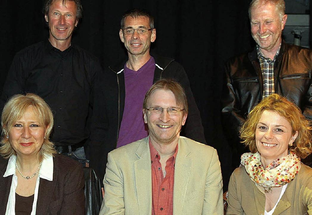 Der Vorstand der Förderfreunde Gloria-...nd Michael Rohrer (hinten von links).   | Foto: Frank  Linke