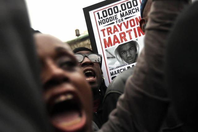 Mitglied einer Nachbarschaftswache tötet Teenager - Polizei tut nichts
