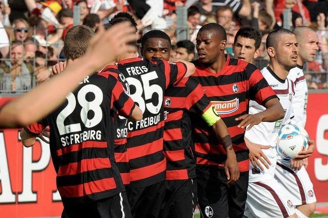Der SC Freiburg schüttelt Lautern ab und klettert