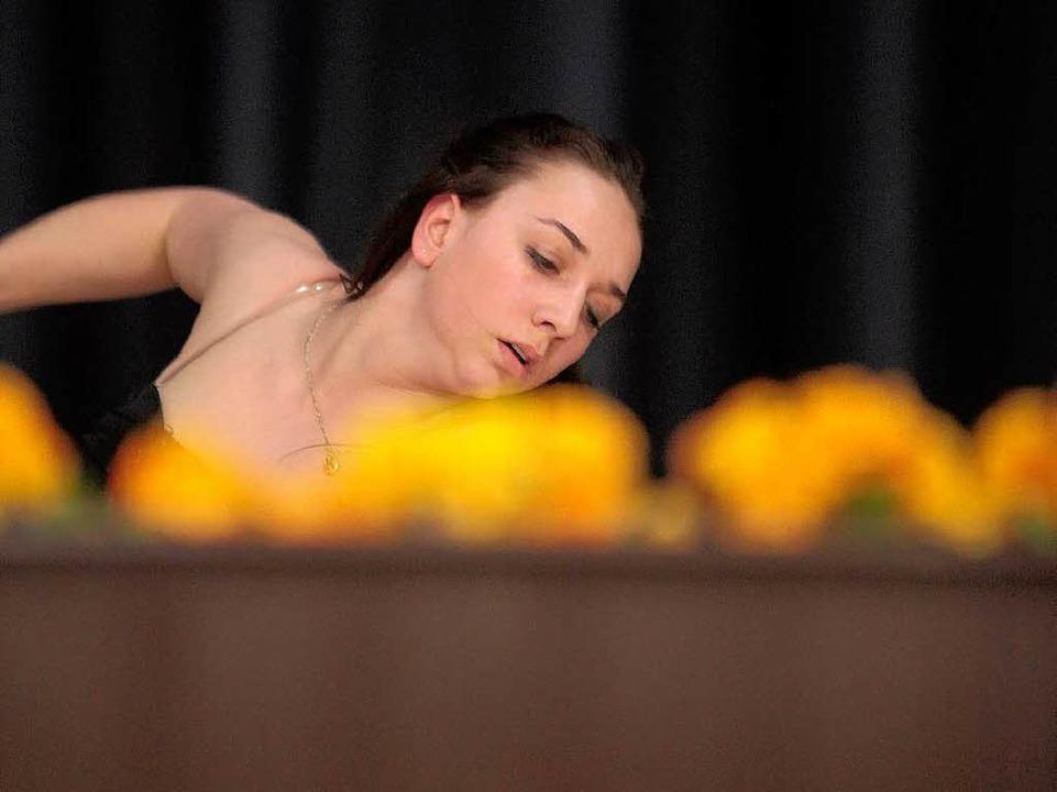 Lea Krauß vom TV Lahr begeisterte ebenso mit rhythmischer Sportgymnastik...  | Foto: Christoph Breithaupt