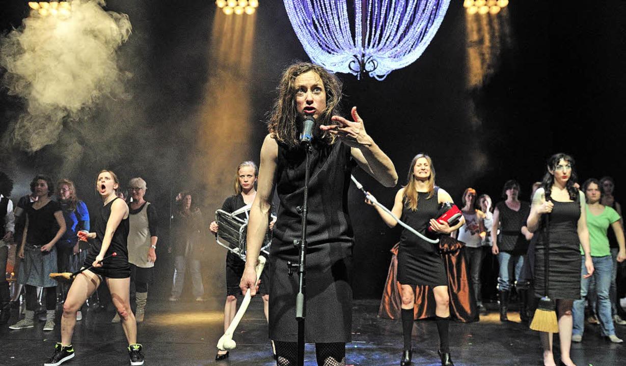 Theater Freiburg: Planet der Frauen  | Foto: MAURICE KORBEL