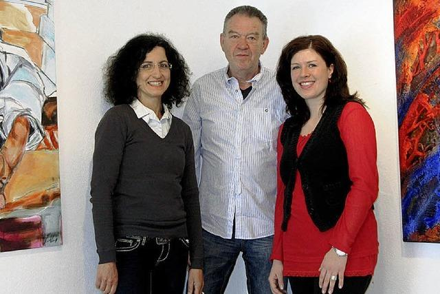 Drei Künstler zeigen sich bei internationalem Kunstsalon in Paris