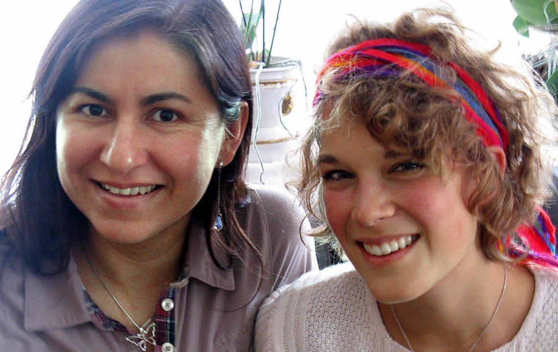 Nach der Rückkehr aus Paraguay: Anna Passlik (rechts) mit Dina Martinez-Immen  | Foto: D. Möller-Barbian
