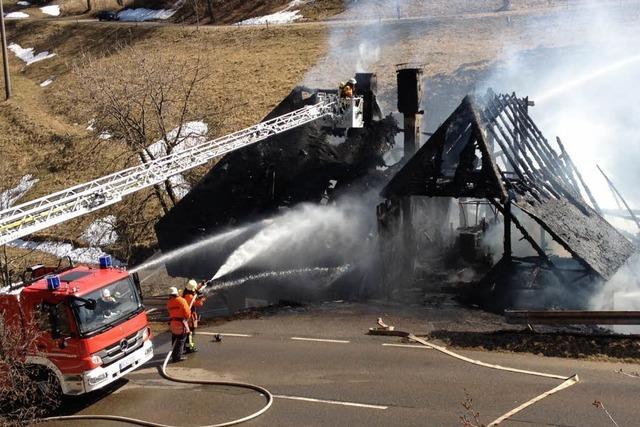 Historischer Bauernhof in Hofsgrund brennt ab
