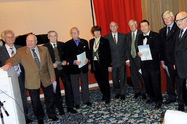 Kiwanis-Club ehrt langjährige Mitglieder