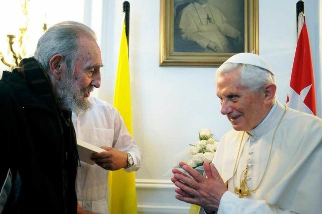 Papst trifft Fidel Castro und fordert Religionsfreiheit