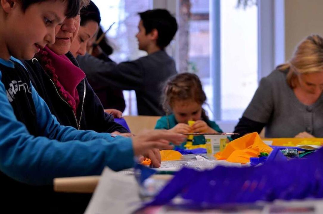 In Gottenheim treffen sich Mütter mit ... – so bleibt Brauchtum lebendig.  | Foto: ann-christin werner