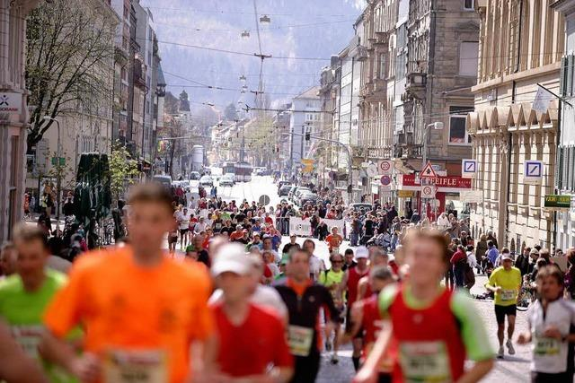 Freiburg Marathon macht Zehntausenden Beine – auf und an der Strecke