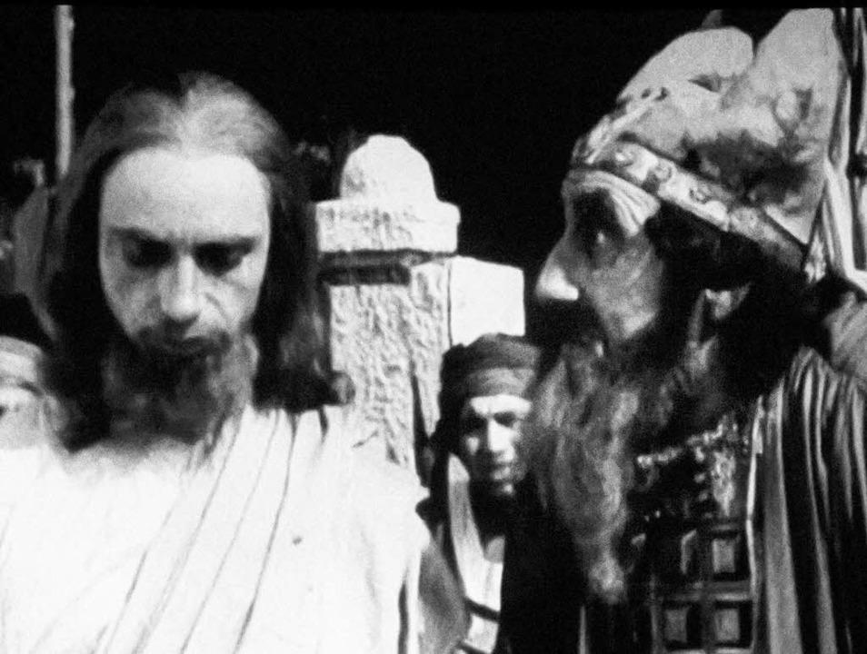 Jesus vor dem Hohenpriester:  Szenenfo...i Buchowetzki,  gedreht im Dreisamtal.  | Foto: Bernhard Kleine