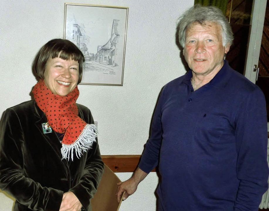Sigrid Faltin und der Vorsitzende des ...en Ausbau des Rebay-Hauses als Museum.  | Foto: Karlernst Lauffer