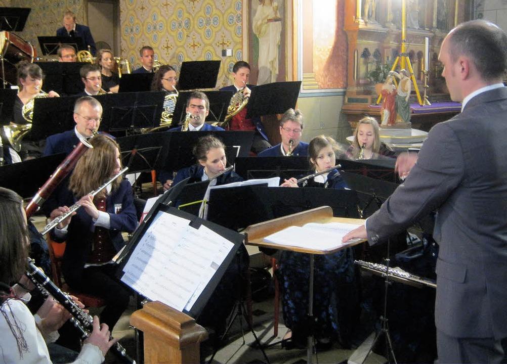 Für Frühlingsgefühle sorgte die Tracht...Bollschweil bei ihrem Kirchenkonzert.   | Foto: Anne Freyer