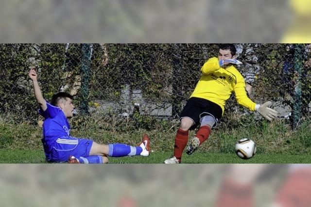 Ein Feldspieler als sicherer Rückhalt im Tor von Bosporus Weil