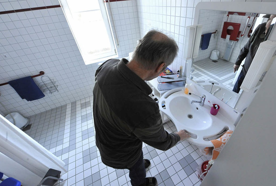 Die Waltershofener Wohnungen der DGM b...eit, Hilfsmittel im Alltag zu testen.   | Foto: Michael Bamberger