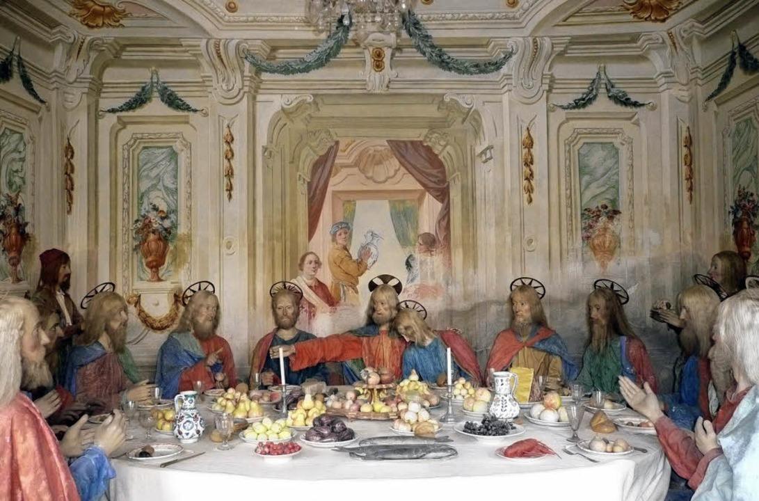 Italienisch reich gedeckter Tisch beim...mahl auf dem Sacro Monte von Varallo    | Foto: Rolf Müller