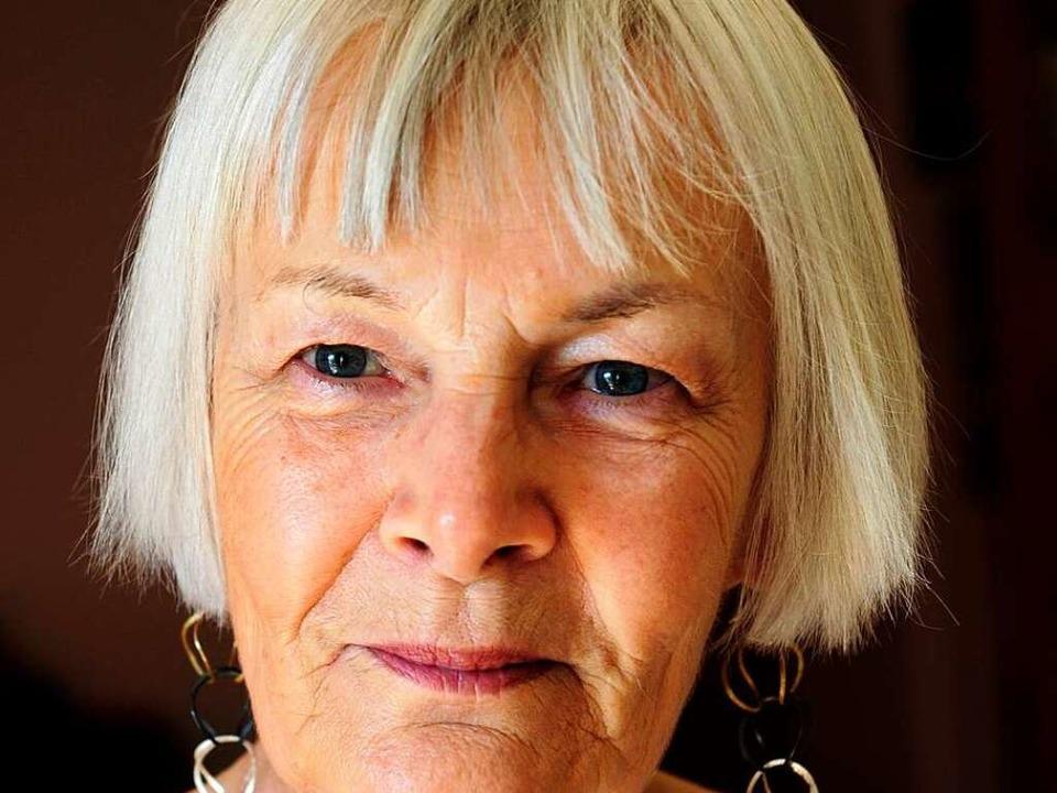 Ursula Dietrich (75) veranstaltet seit...iteraturzirkel in der Stadtbibliothek.  | Foto: Ingo Schneider