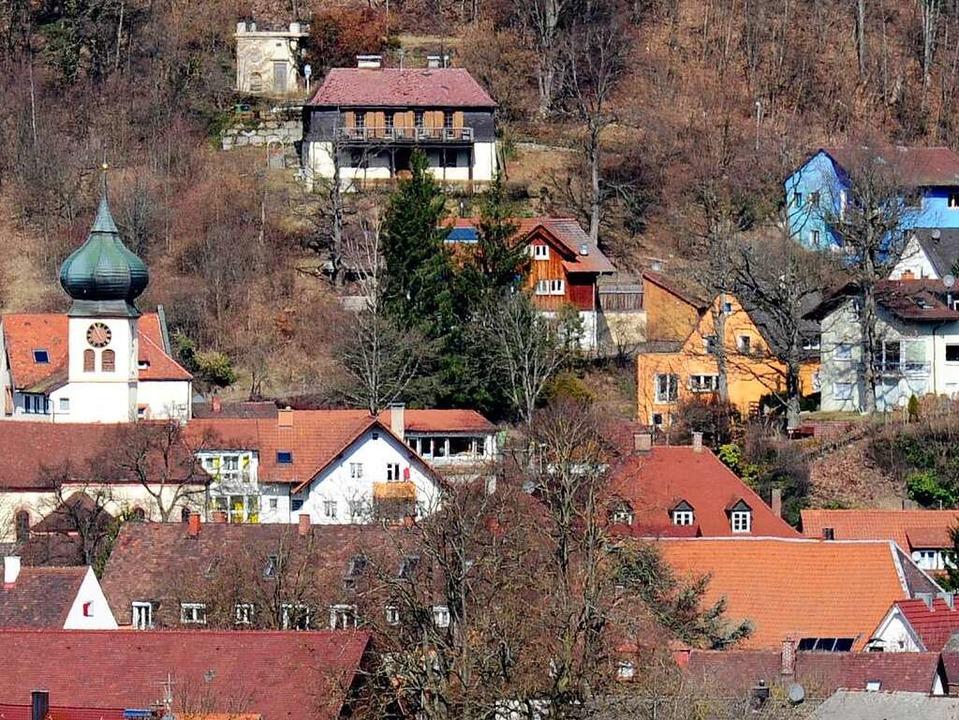 Blick auf die St. Hilarius-Kirche in Ebnet.  | Foto: Ingo Schneider
