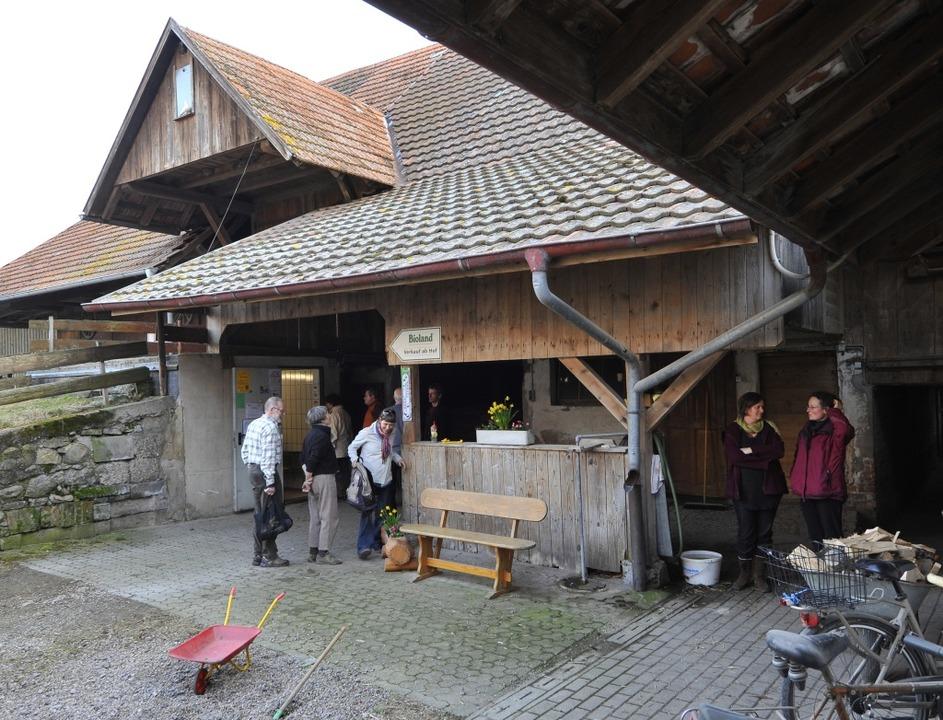 Der Hofladen Reichenbach im Freiburger...lch, Eiern, Kartoffeln und Gemüse bei.  | Foto: Michael Bamberger