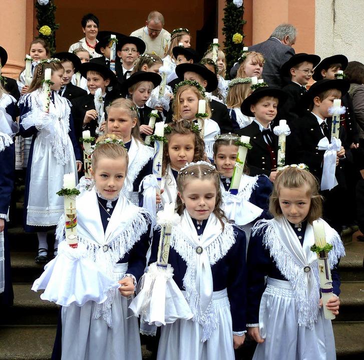 Bereits am Ostermontag gingen in St. T...n üblich, im Trachtenkleid begingen.    | Foto: Eberhard GroSS