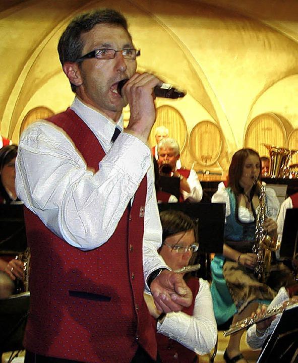 Mit einer perfekt dargebotenen Soloein...terhaltungsteil des Konzertabends ein.    Foto: Erhard Morath