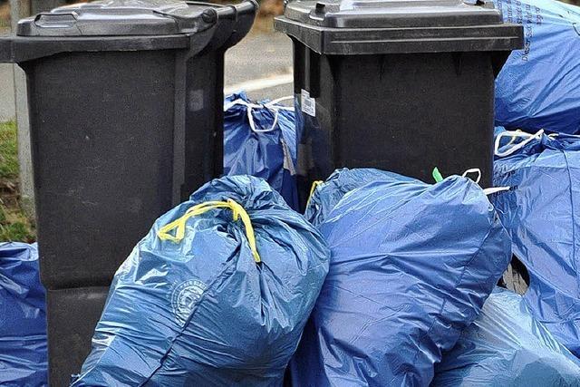 Zugeparkte Straßen - Müllabfuhr und Feuerwehr kommen nicht durch