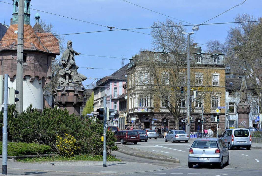 Dem Bau der Leo-Wohleb-Straße fielen zwei Bürgerhäuser zum Opfer.   | Foto: Michael Bamberger