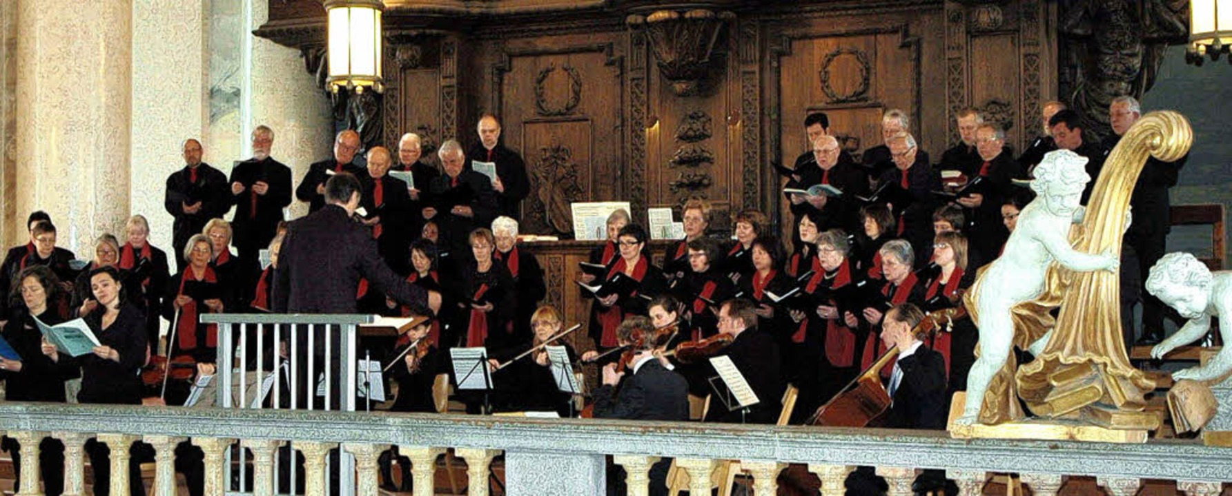 Der Domchor, Instrumentalisten aus der... in B von Wolfgang Amadeus Mozart auf.  | Foto: Stefan Sahli