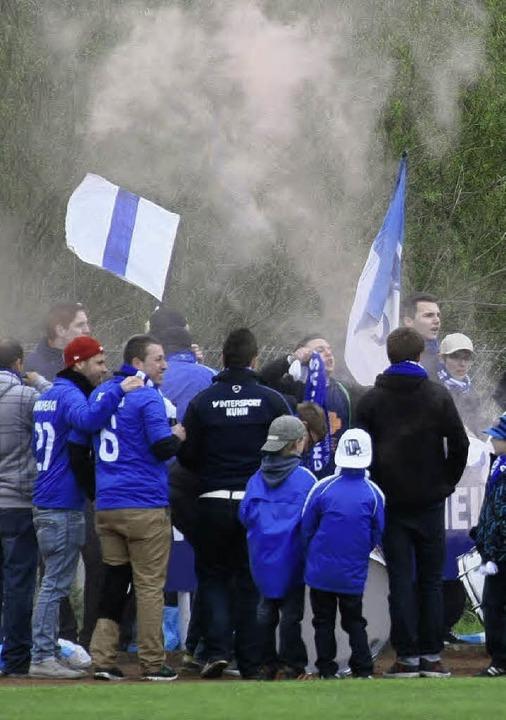 Für Stimmung sorgten von Beginn an die...des Pokalsiegers SV Niederschopfheim.     Foto: P.Aukthun