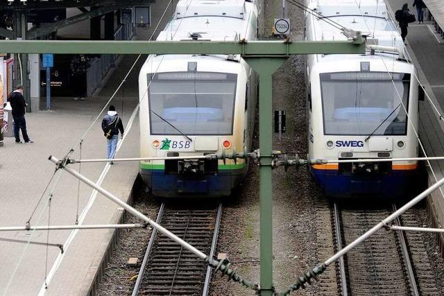 Verkehrsminister in der Kritik: Noch keine Züge bestellt