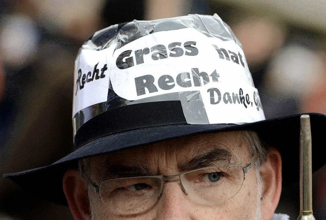 """Grass hat recht"" steht au...nd nicht der Iran den Frieden bedroht.  | Foto: dpa"